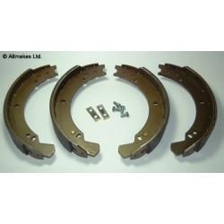 Machoires de freins AR LR88/90 -TRW