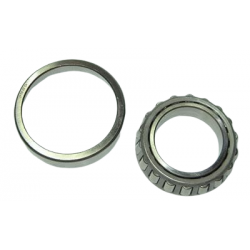 Outer differential final drive pinion bearing